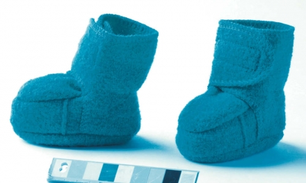 Disana boiled wool booties size 1 blue