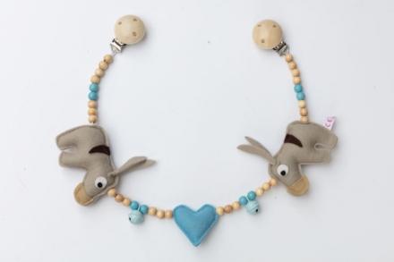 Deine Sommerliebe Pram chain donkeys baby blue