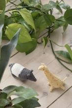 Sebra Crochet rattle Giraffe Glenn savannah yellow