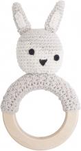 Sebra Crochet rattle on wooden ring Siggy feather beige