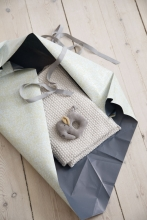Sebra Gift set with baby blanket and rattle dune beige