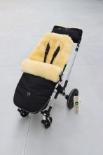 Kaiser Lambskin footmuff and hand warmer Bujoo black