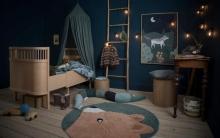 Sebra Woven floor mat Woody the bear midnight green